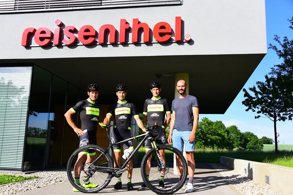 RevolutionSports-eu-Sponsoring-Andreas-Seewald-Rocklube-Revolutional-Racing-Konstructive-Custom-Bikes3